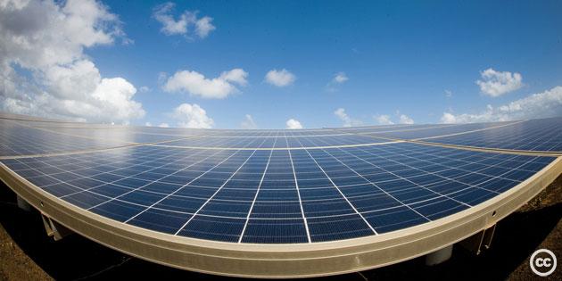 solar-panels-cc-lance-cheung2009.jpg