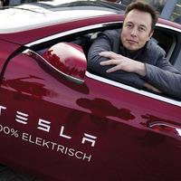 Elon Musk ismét színpadra állt