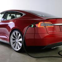 Nikola Tesla— egy név, egy cél, két vállalat