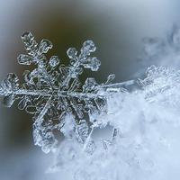 Alkotás és játék a hópelyhekkel