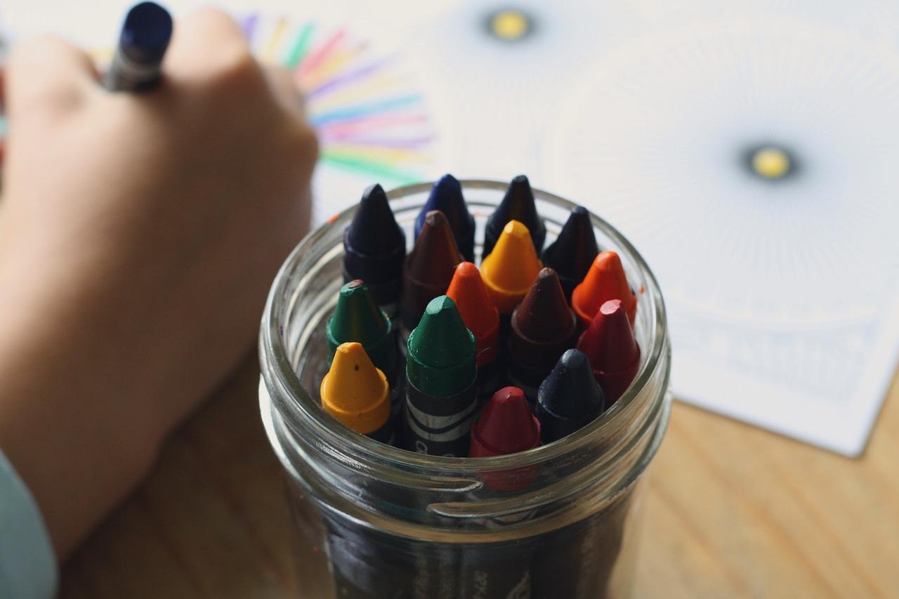 crayons-1445054_1280_1.jpg