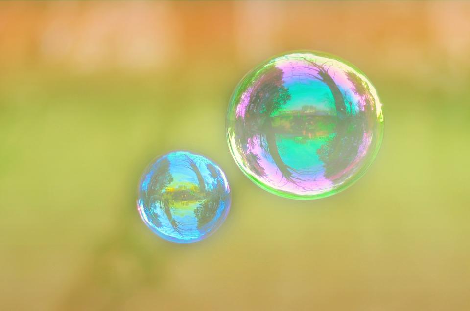 bubble-1326035_960_720.jpg