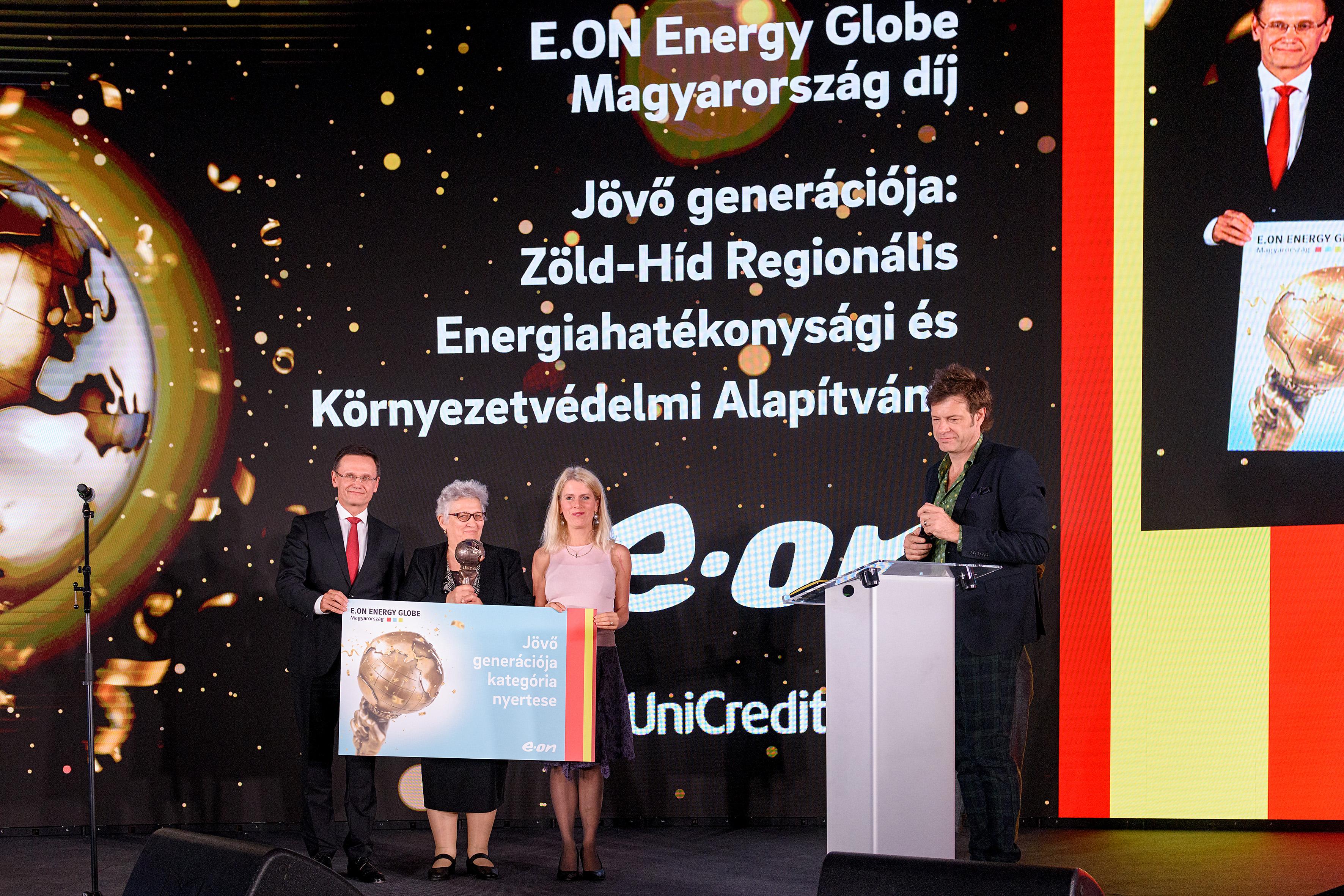 eon_energy_globe_148.jpg