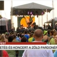 Tömegtüntetés volt Ganxsta Zolival és a Bikinivel (atv.hu)