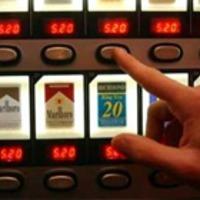 Betiltották a cigaretta automatákat Angliában!