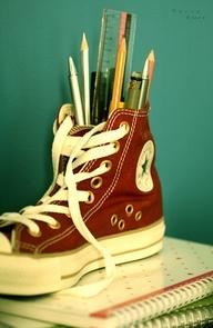 ceruzatartó cipő.jpg