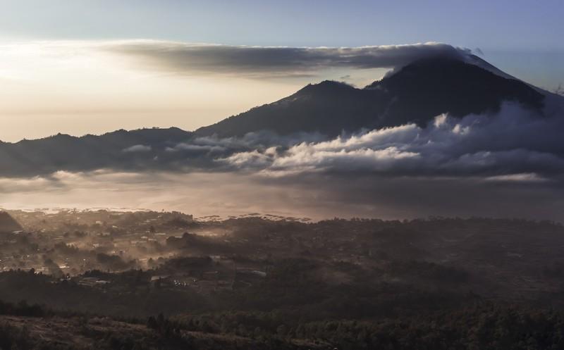 Batur vulkán túra, hajnali kilátás - Bali, Indonézia