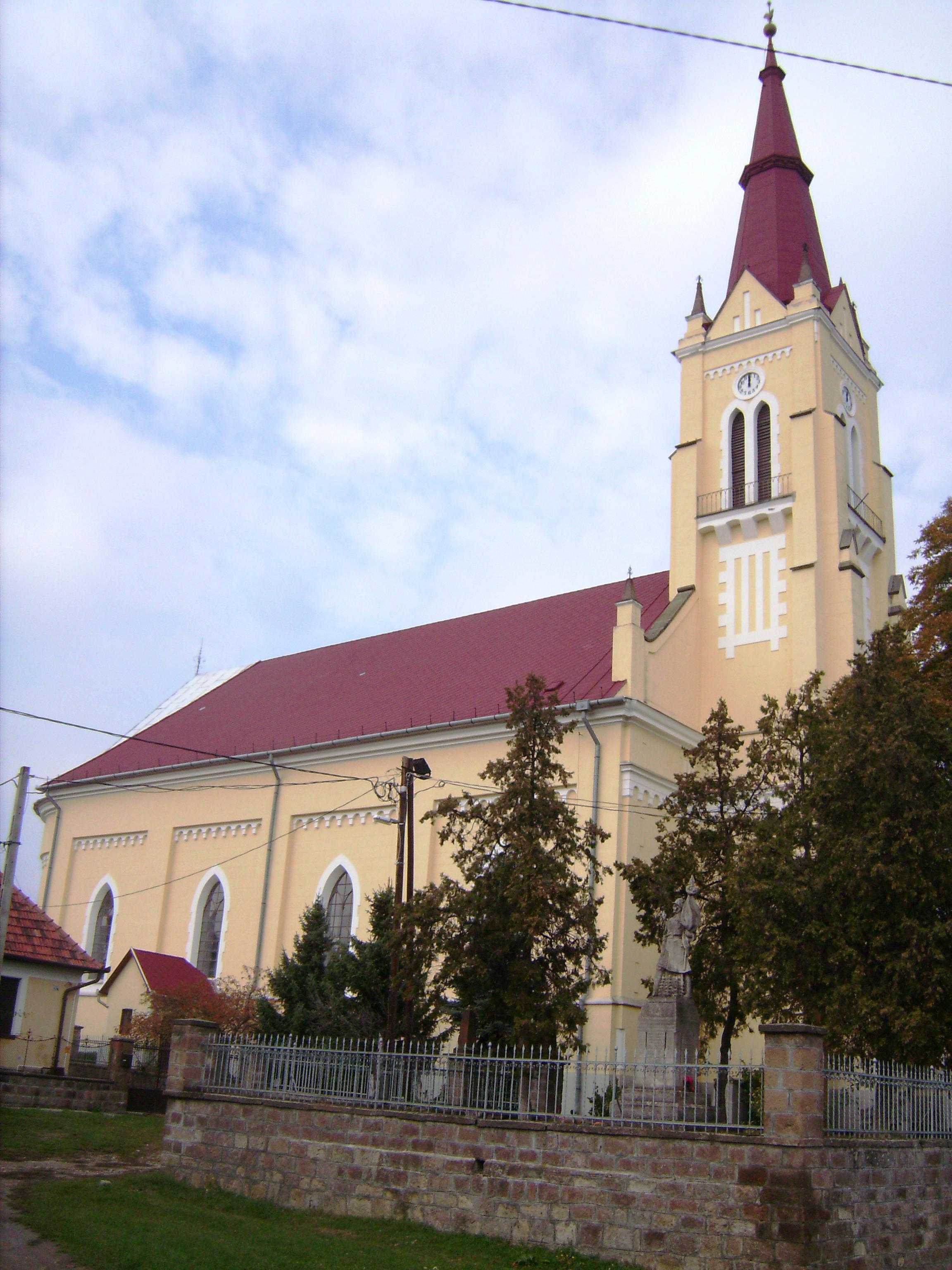 Borsod-Abaúj-Zemplén megye egyik legmagasabb, 54 méteres református temploma.