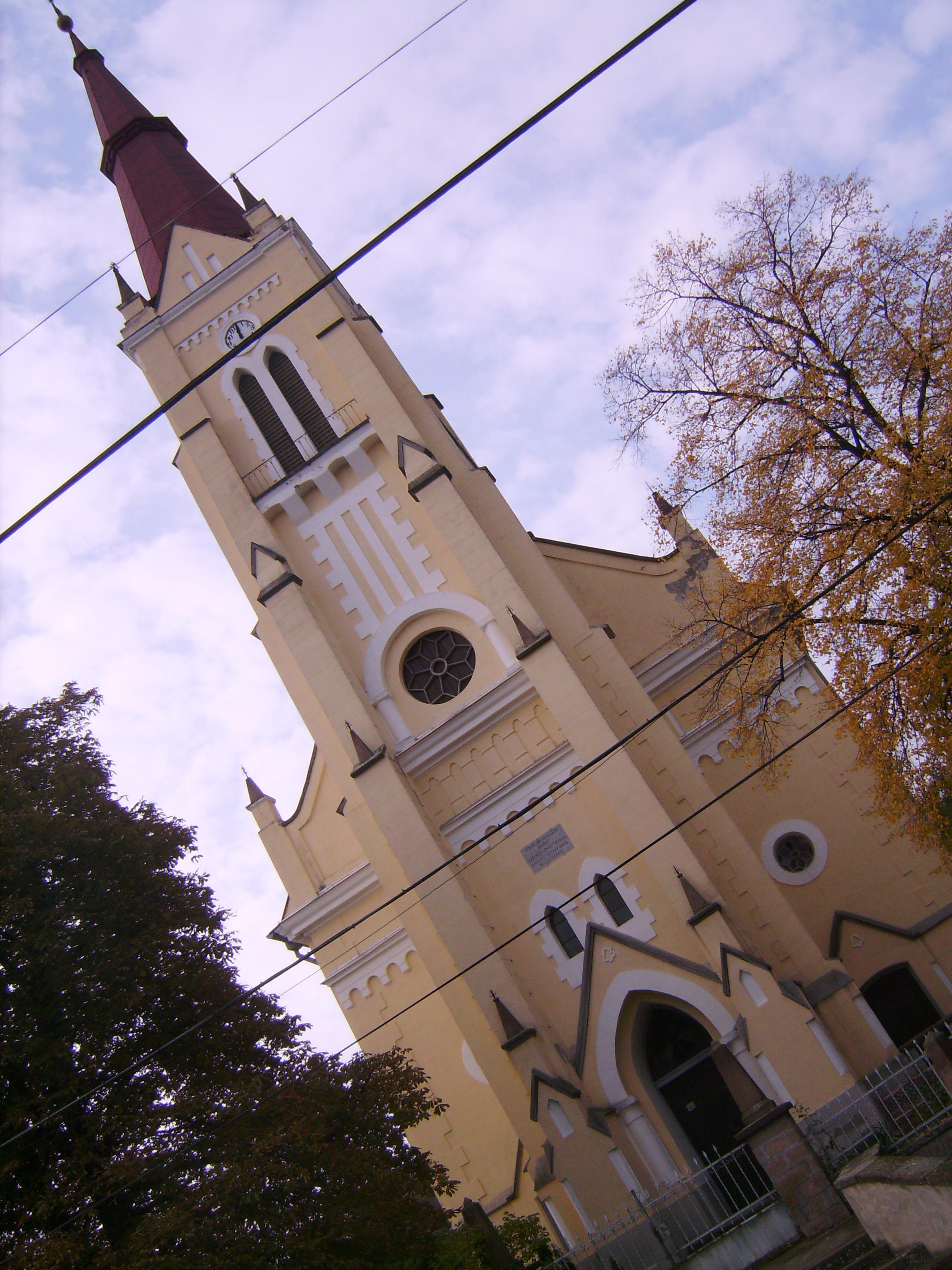 A neogótikus stílusú, 1300 ülőhelyes templom 1898-ban épült, az 1000 éves millenniumi évfordulóra.