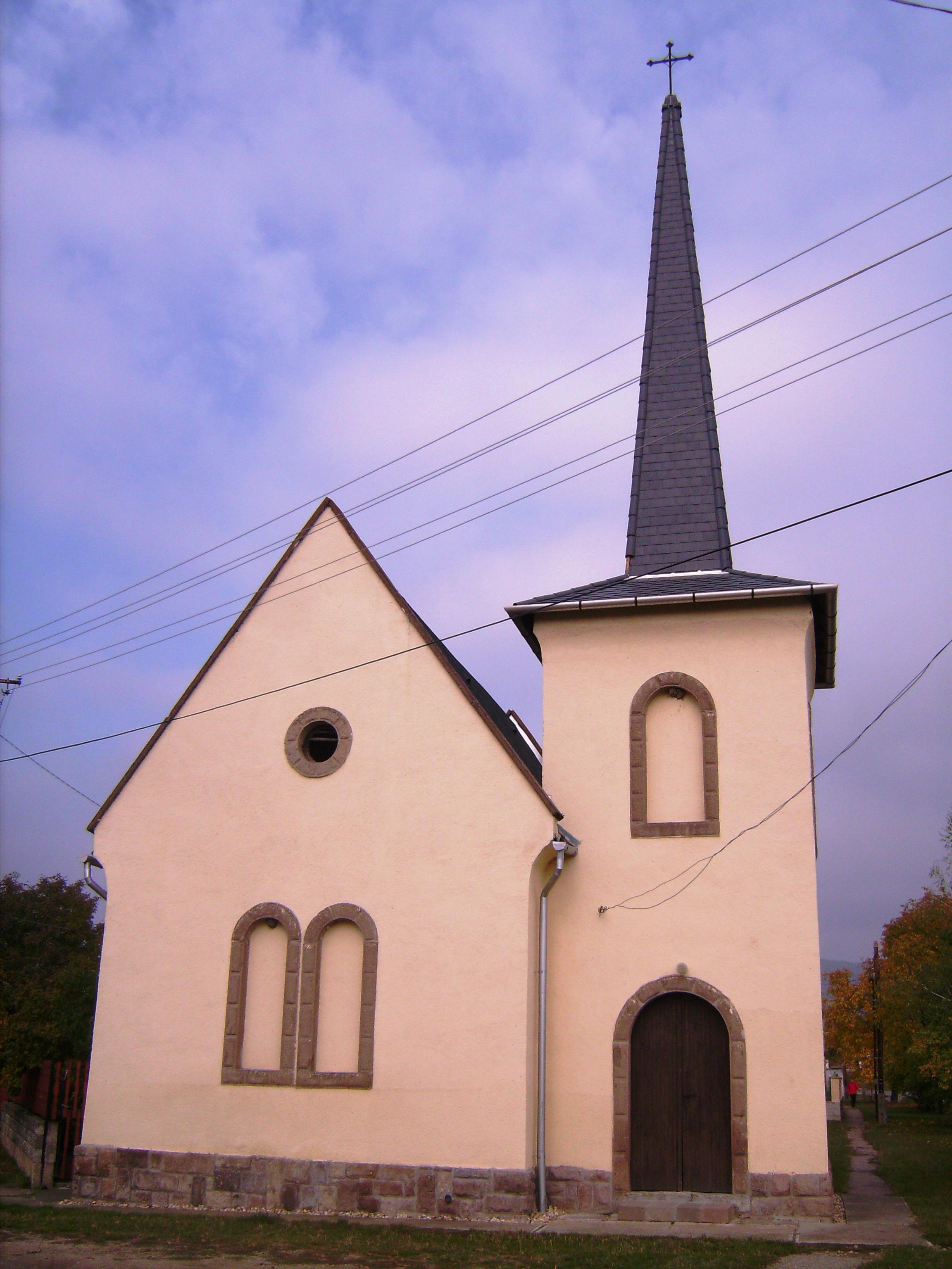 Szent József római katolikus templom.