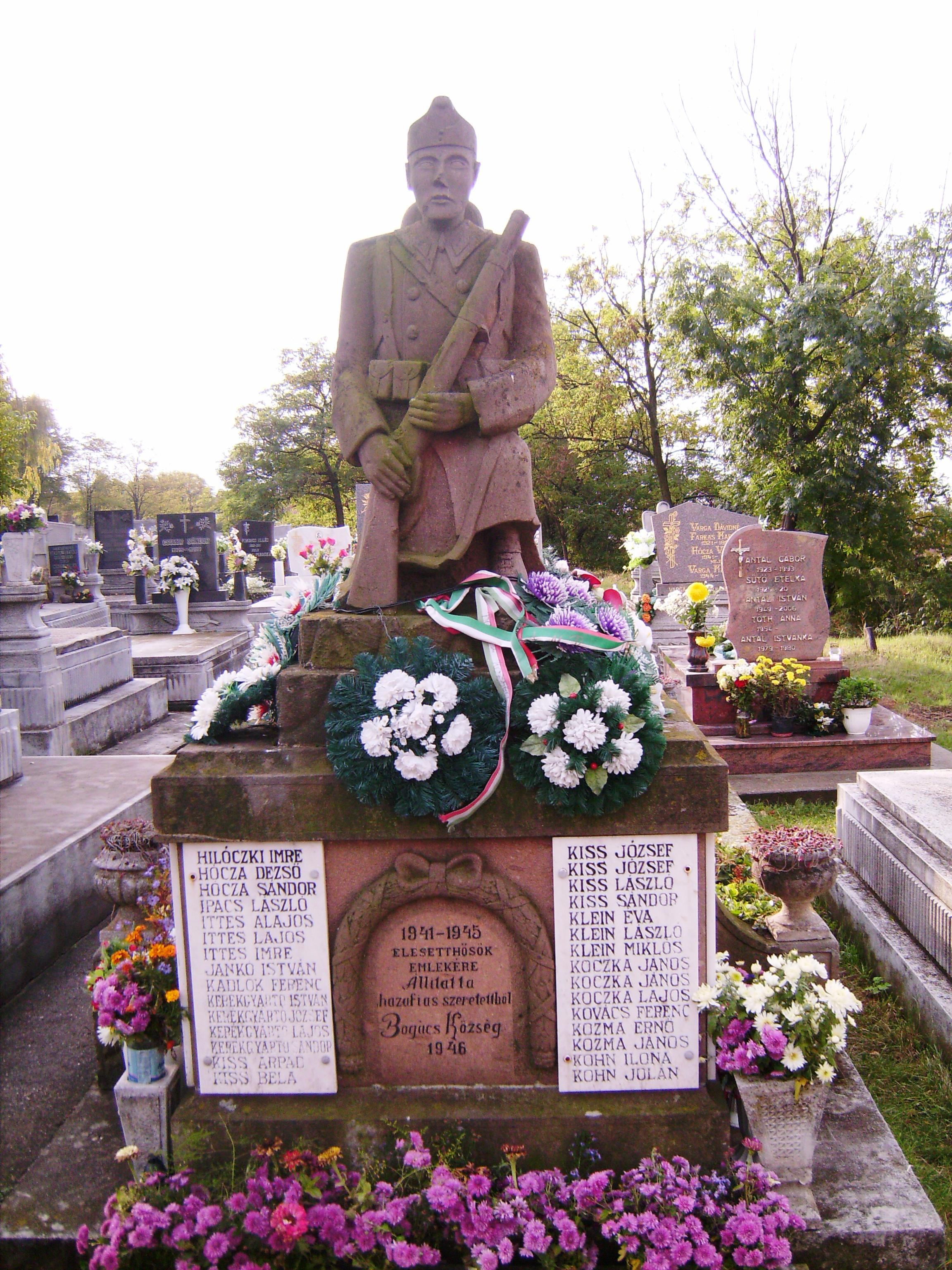 II. világháborús emlékmű a temetőben, 1946