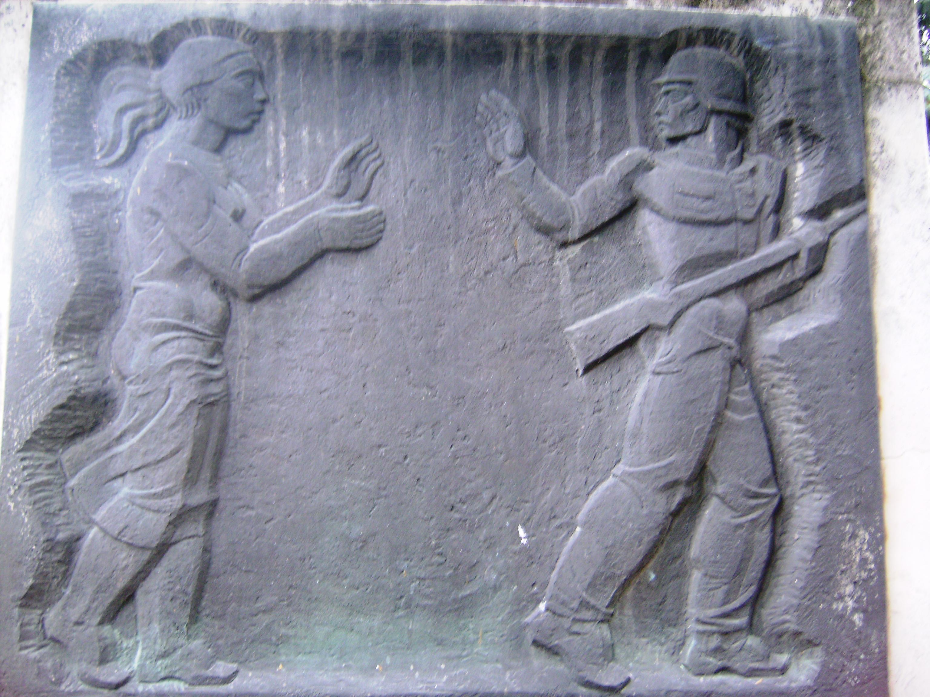 Az emlékművet Babits Mihály: Fiatal katona című verse ihlette.