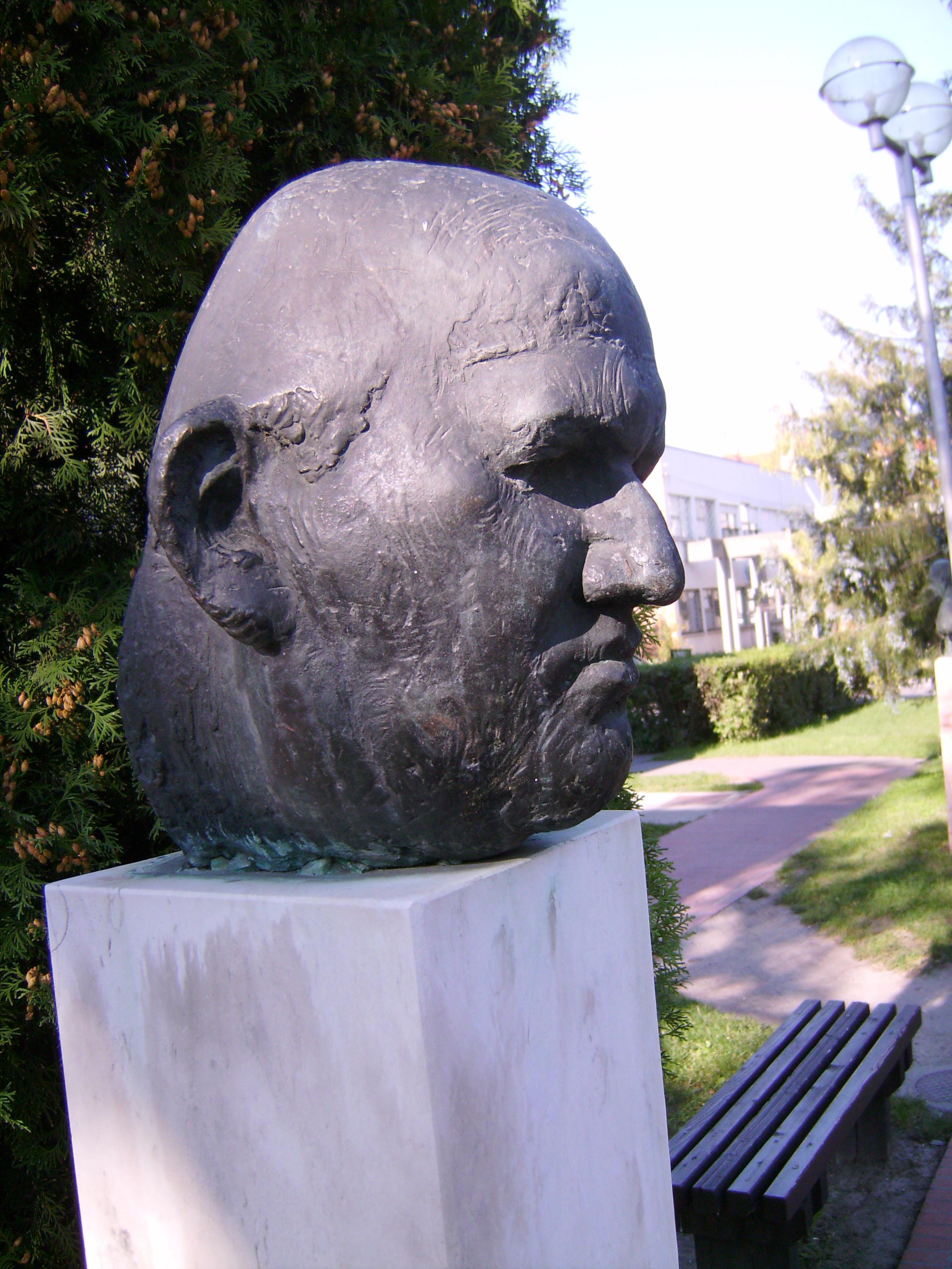 Franz Fühmann<br />Wieland Förster 1989<br />Franz Fühmann (1922--1984), a Kelet-Németországban (NDK) élt elbeszélő, lírikus és esztéta<br />