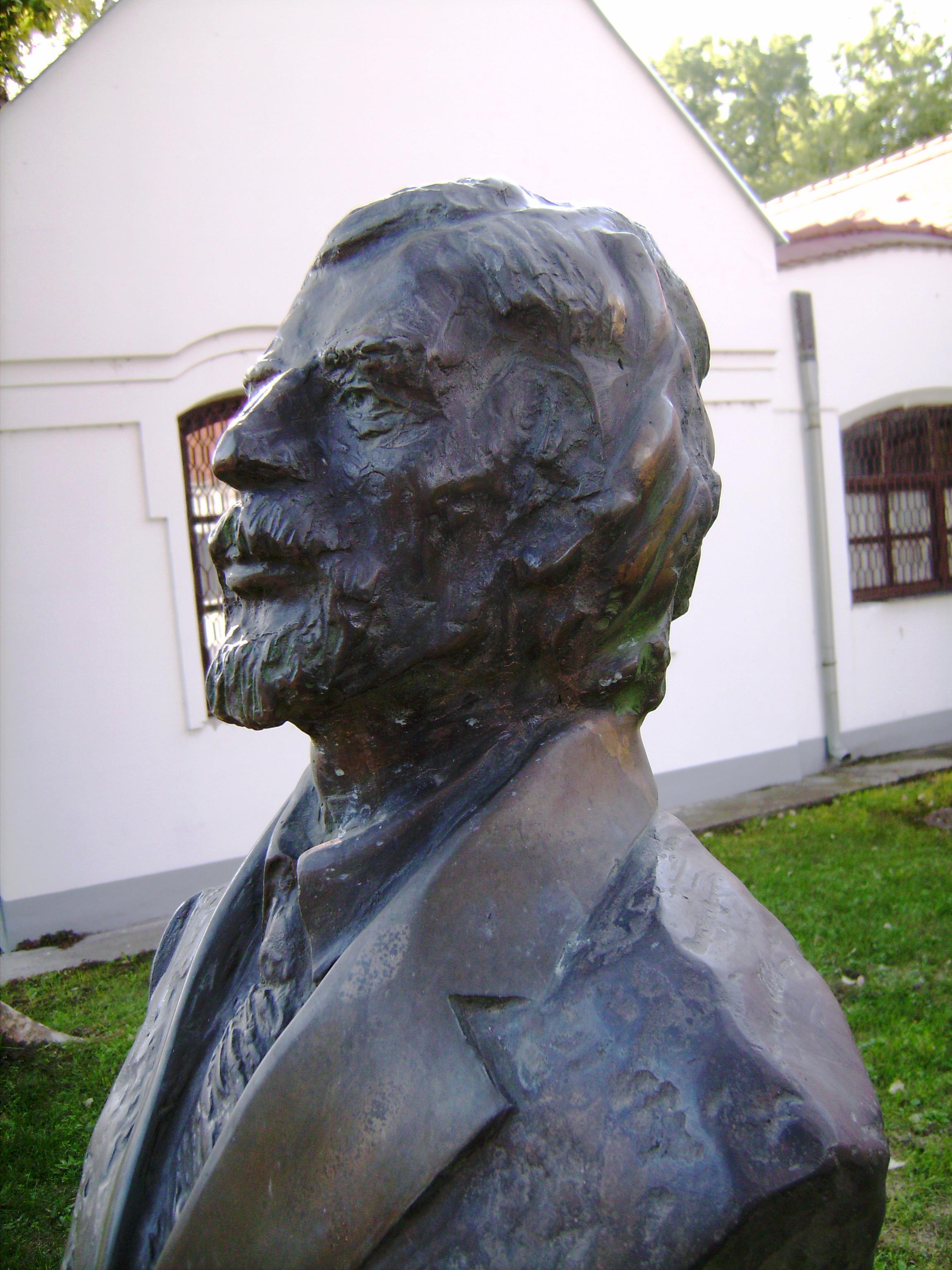 Tadeusz Nowak (1930–1991) Arany János és Petőfi Sándor költészetének legkiválóbb lengyel tolmácsolója. <br />Ewa Fleszar<br />1998. március 14.<br />