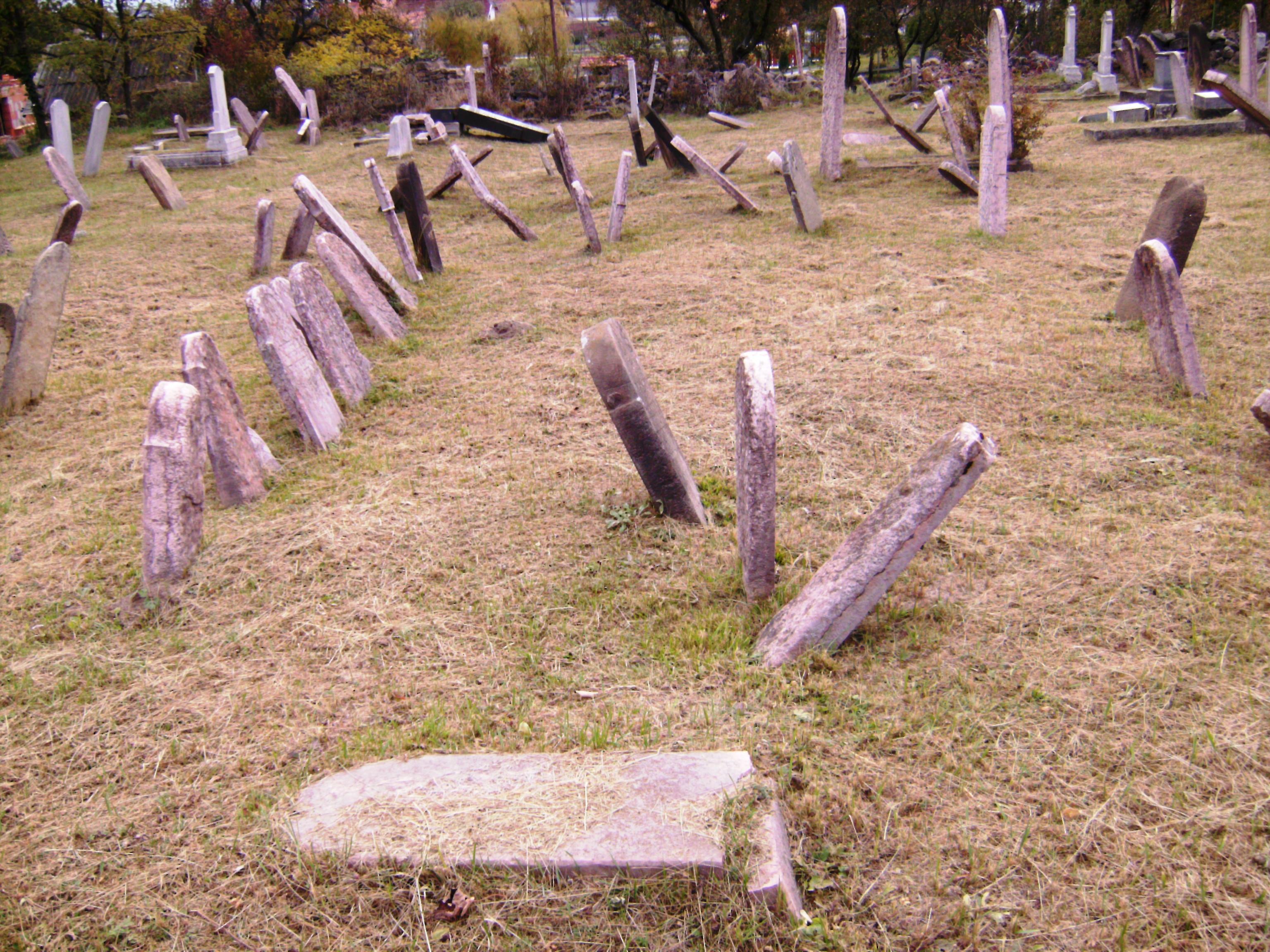 A gyermekek általában a temető szélén kaptak helyet.
