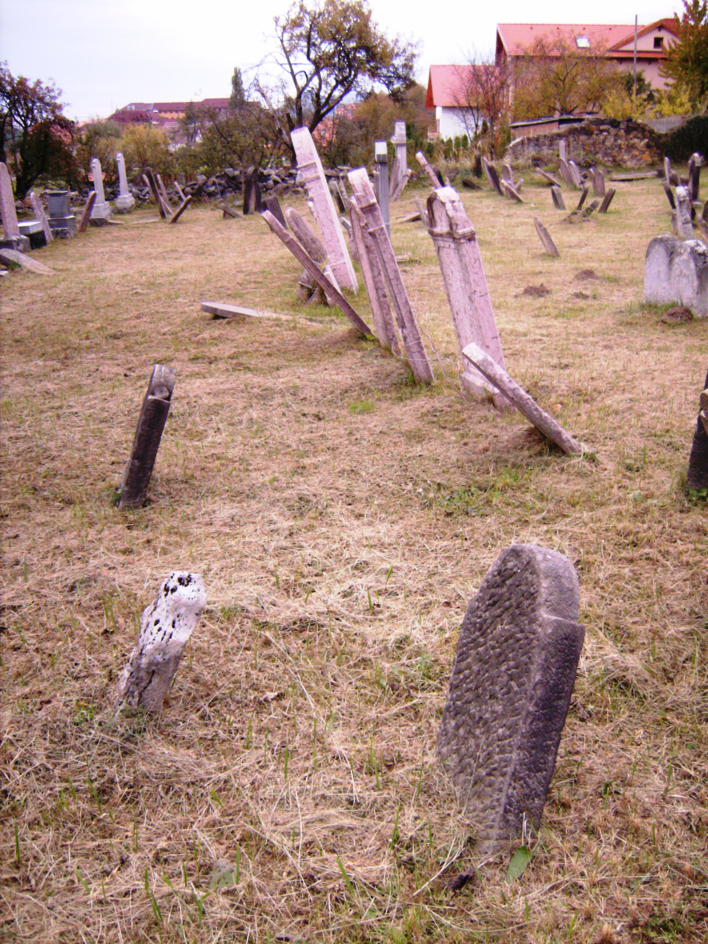 """A Kabbala (a misztikus hagyomány) azt tanítja, hogy a """"nem megfelelő"""" temetés esetén a lélek zaklatott állapotban marad és nem tud megnyugvásra lelni."""