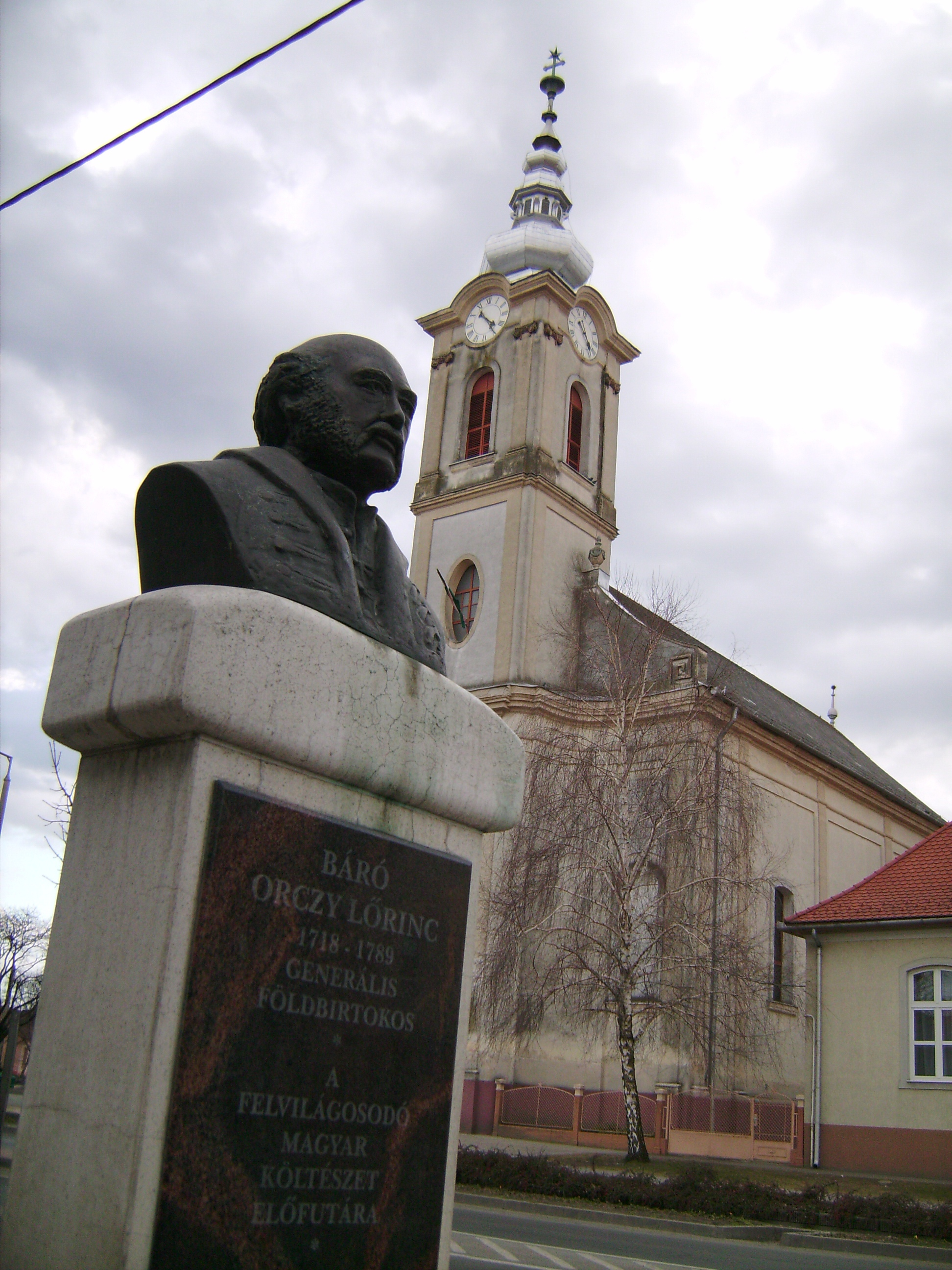 A település valamikor az Orczy család birtoka volt.