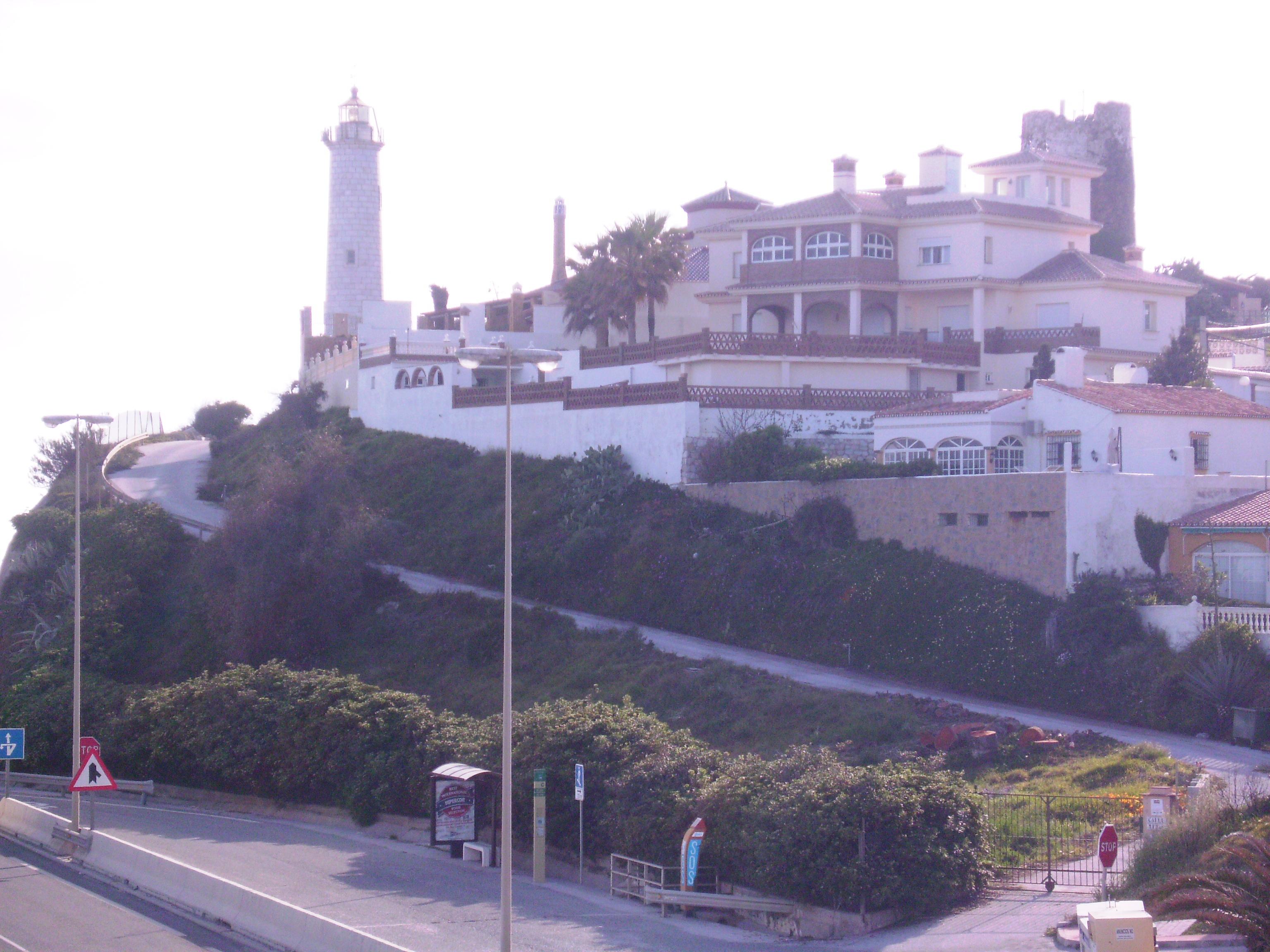 A régi világítótornyot, amelyről a település a nevét kapta (faro: világítótorony) 1863-ban építették, amelyet 1928-ban egy újjal váltottak ki.