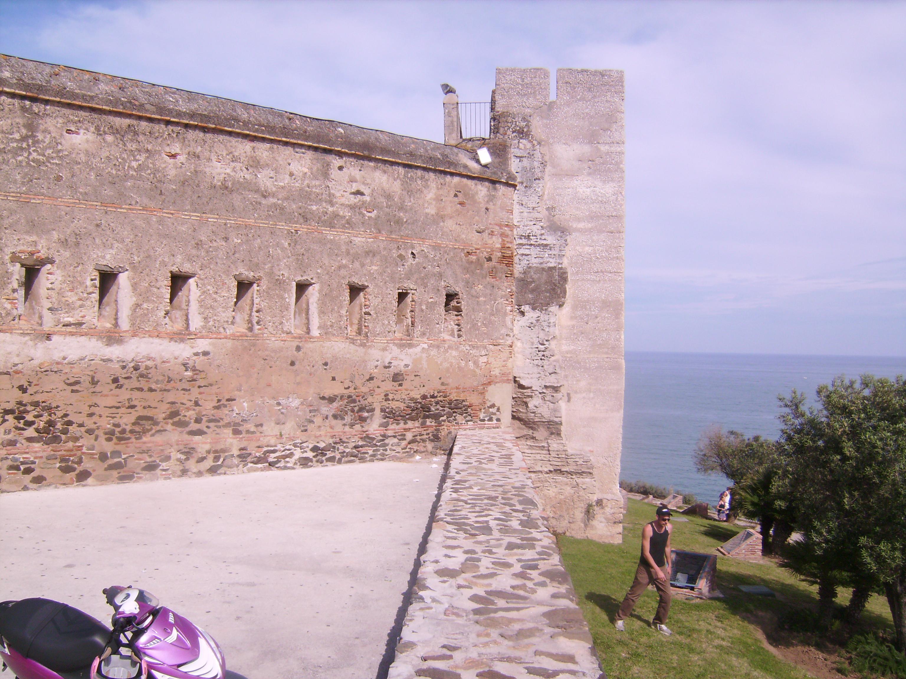 A vár a harcok során erősen megsérült, és csak 1730-ban építették újjá, ezúttal a kereskedők védelmét szolgálta a mór kalózok ellen.