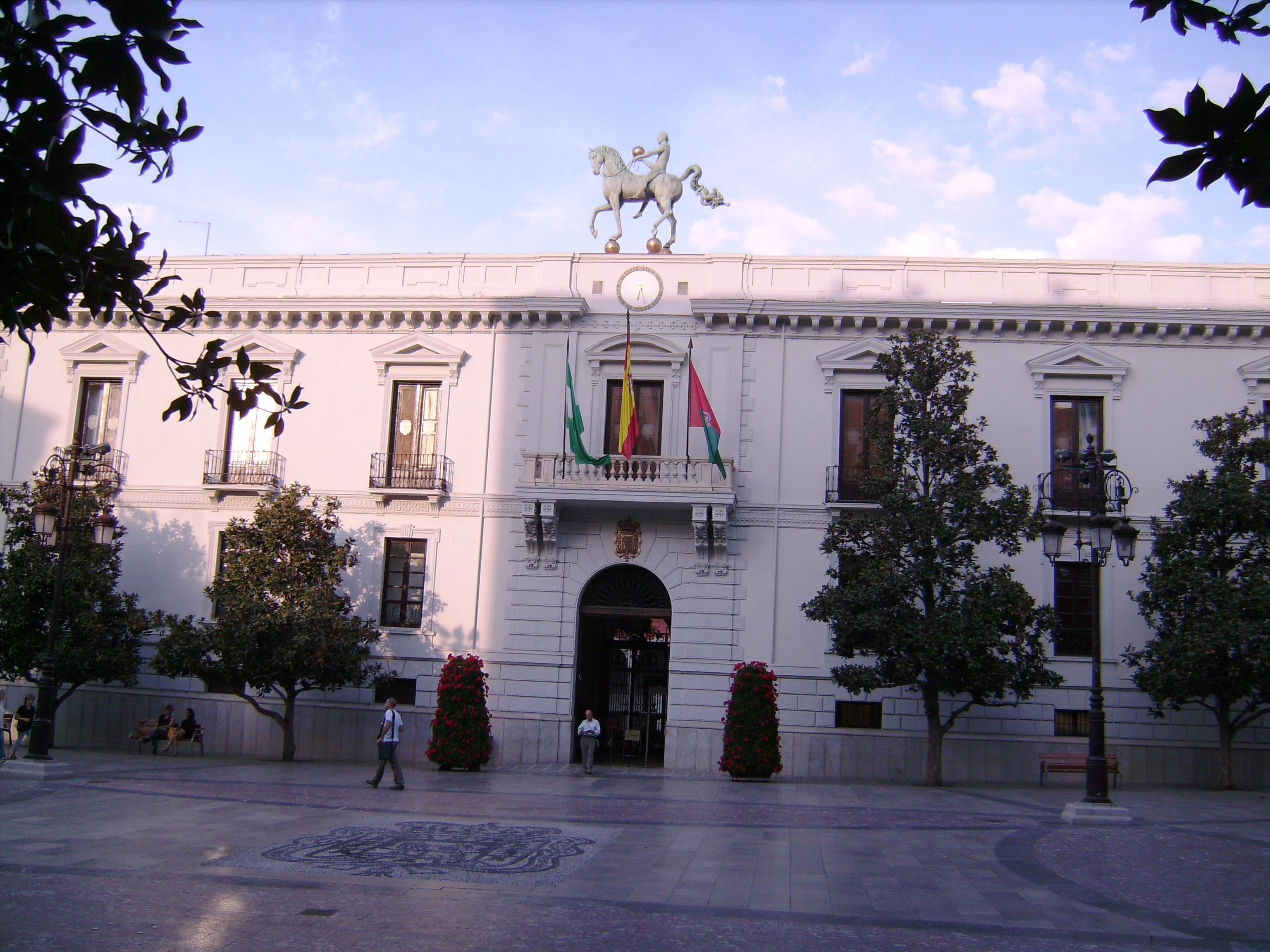 Városháza (Ayuntamiento de Granada) a Plaza del Carmen-en