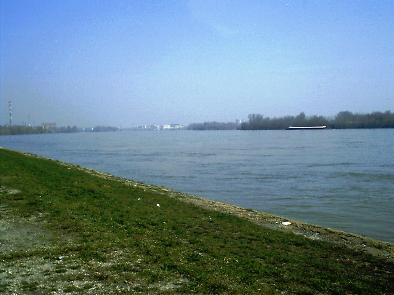 Budapest, Duna-part valahol Albertfalvánál