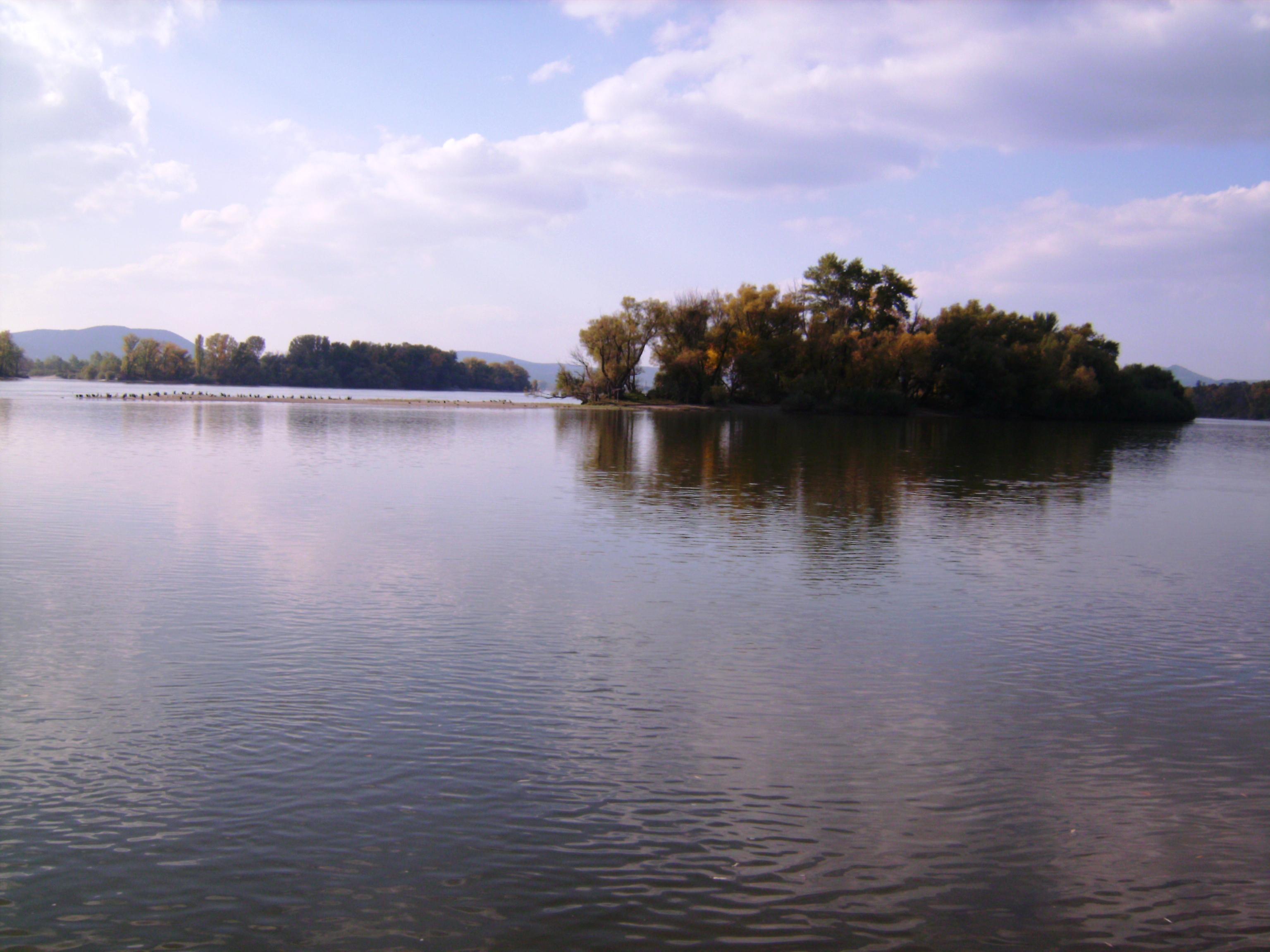 Természetesen a Duna-partra is lesétáltunk.