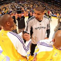 Mínusz 17-ről fordított a Lakers