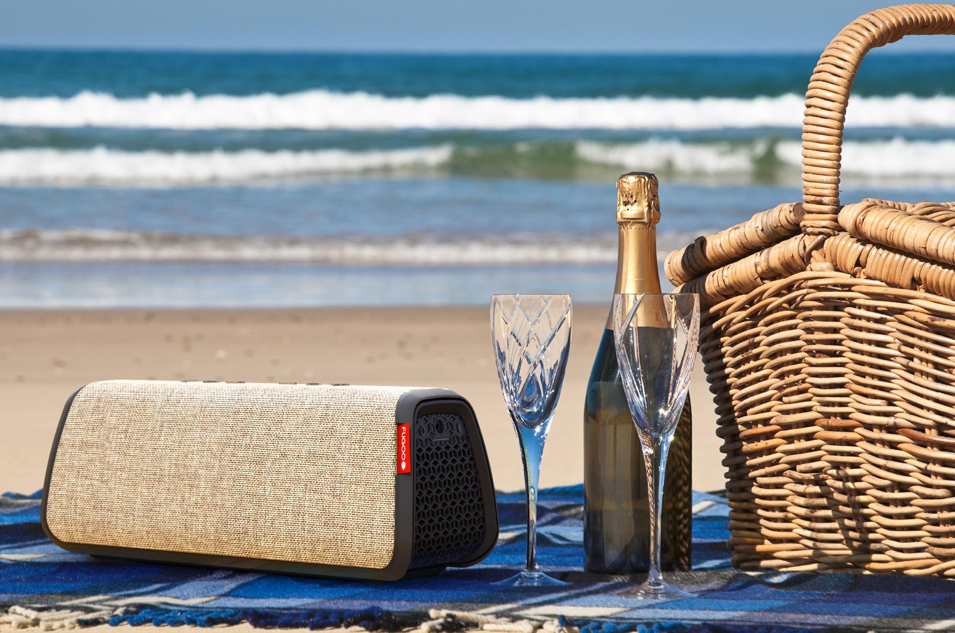 fugoo-style-xl-beach-picnic.png