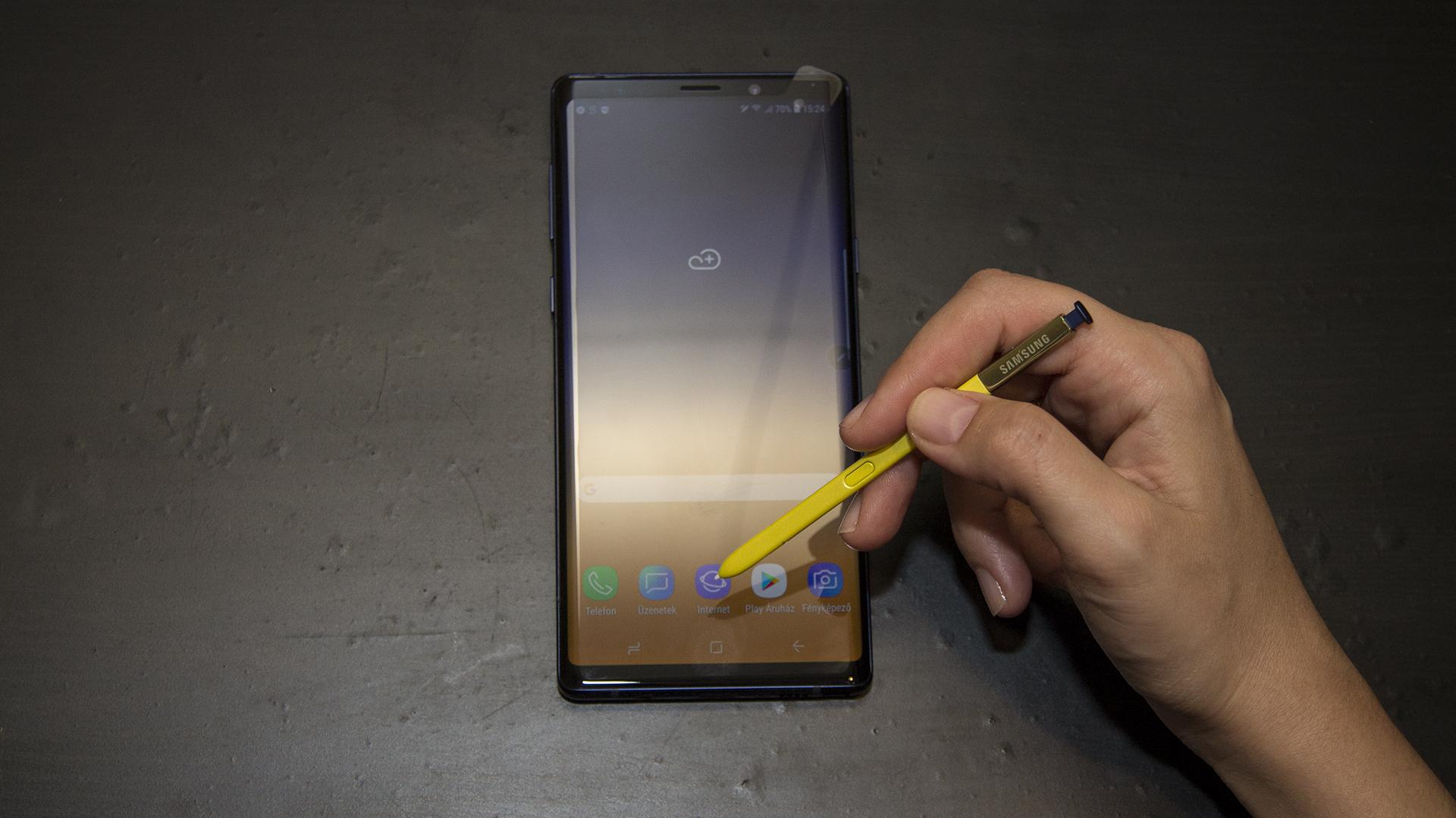 Megkaparintottuk a Samsung legújabb csúcsmobilját, a Note 9-et