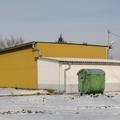 tájkép másik sárga házzal