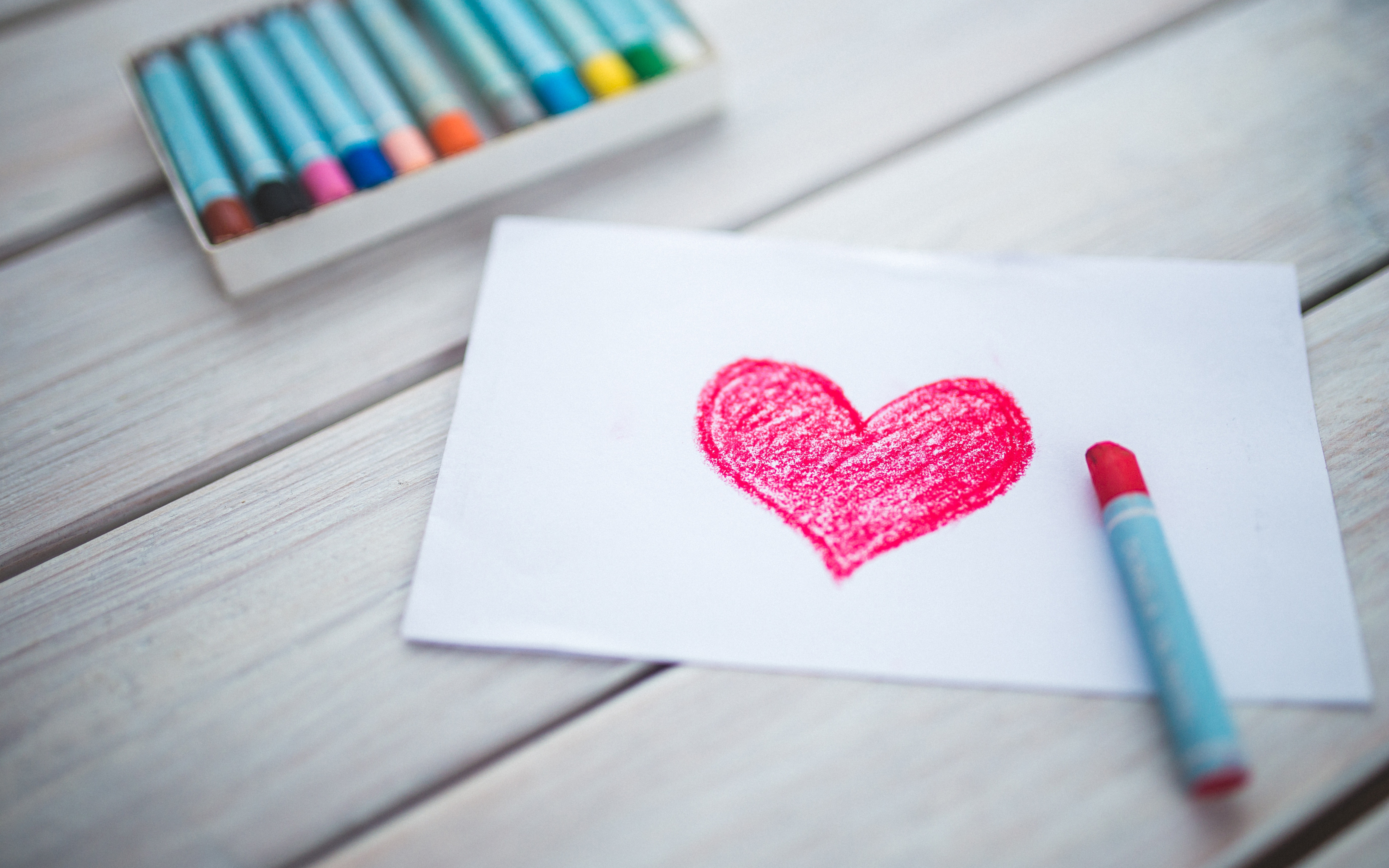 heart-and-crayons-5120x3200-wide-wallpapers_net.jpg