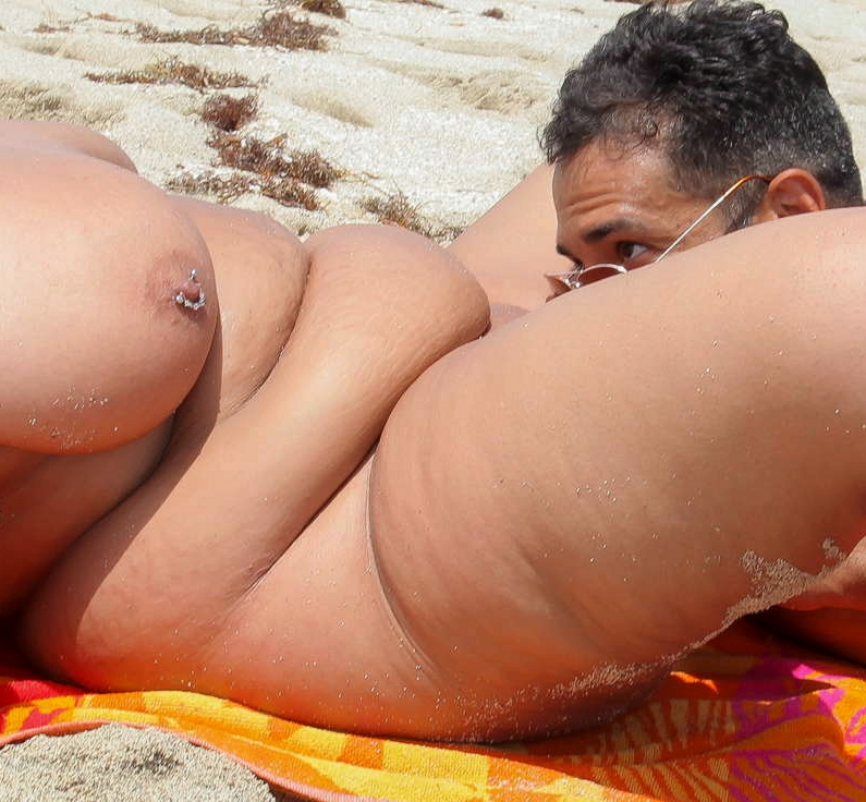 Sex on the beach with a fattie
