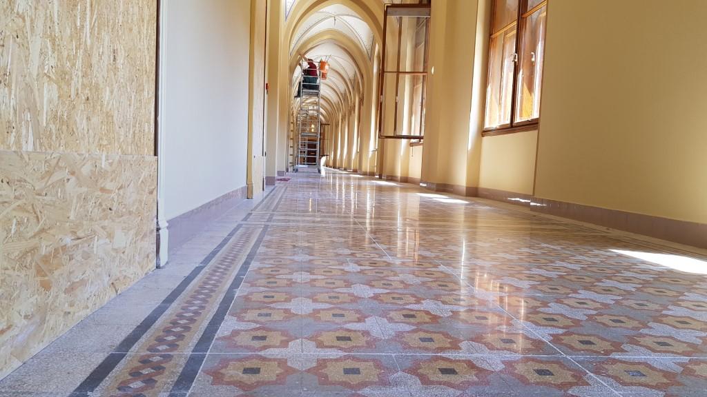 Hihetetlen, hogy a padló ilyen minőségben megmaradt