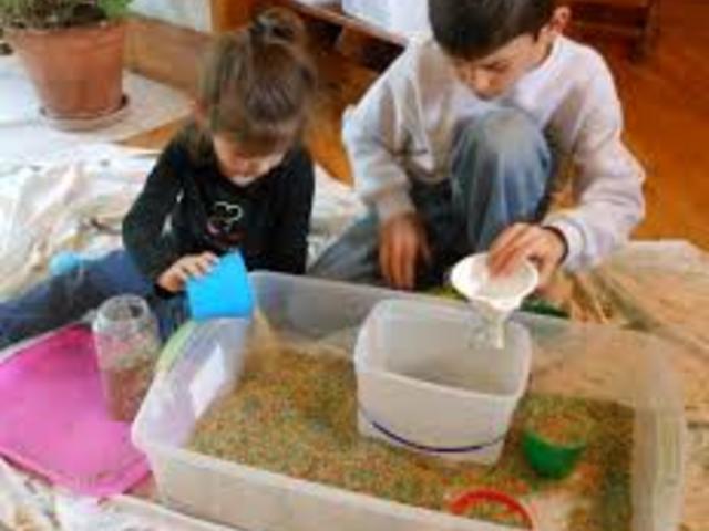 Gyerekkel otthoni karanténban: tippek, játék- és mozgásötletek